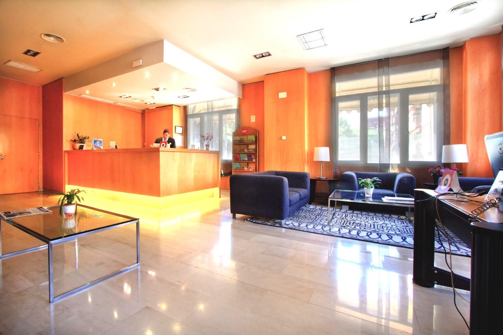 Silken Torre Garden. Hoteles para Bodas en Madrid. Recepción