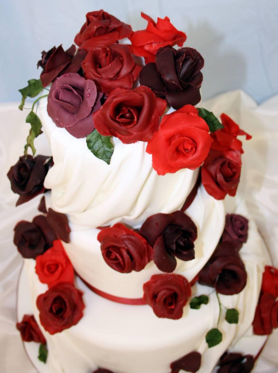 Tarta drapeados y rosas