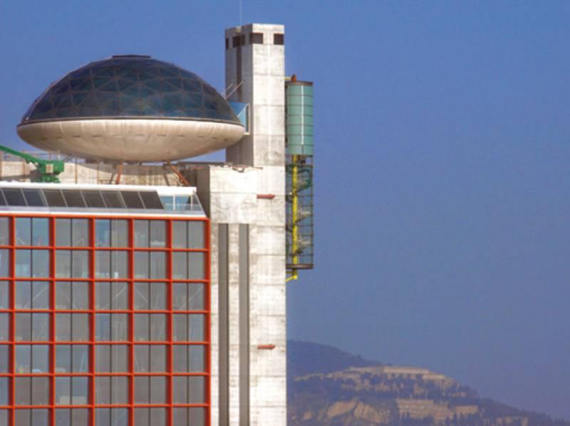 Hesperia Tower - Fachada