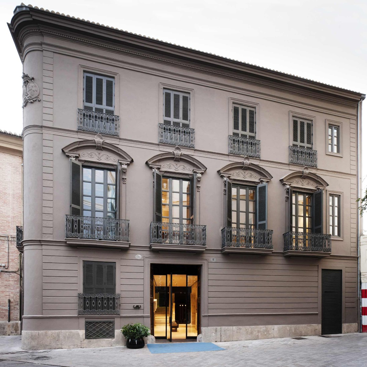 Caro Hotel & Sucede. Hoteles Restaurantes Valencia Bodas. Fachada 2