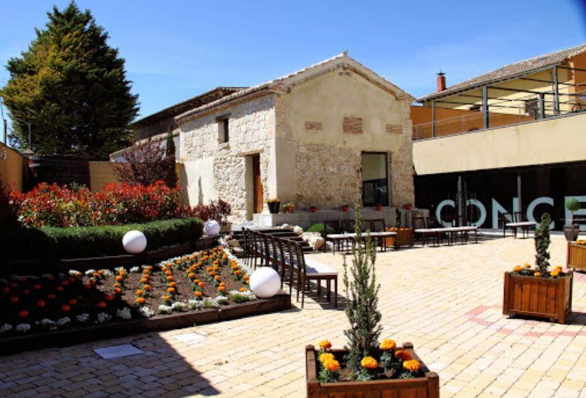 Concejo Hospedería. Restaurantes Encanto Bodas Valladoliz. Terraza 1