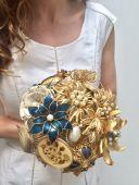 Bouquet De Novias Confeccionados Con Broches Vintage.