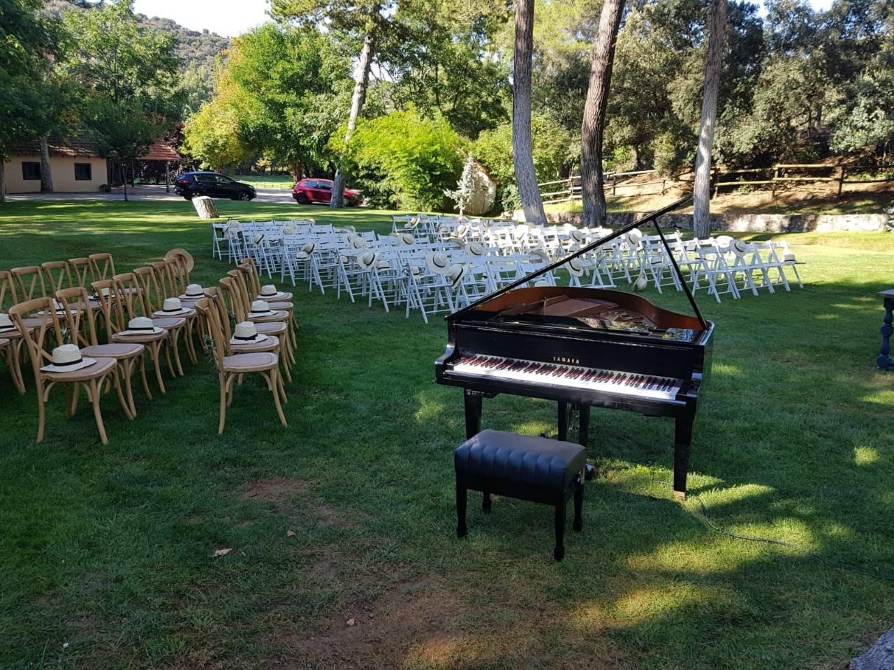 Piano de cola ceremonia