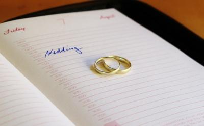 Cómo elegir la fecha de la boda: consejos y creencias