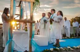 Altar en bodas civiles en la playa