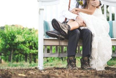 Un hombre se viste por los pies...también para su boda