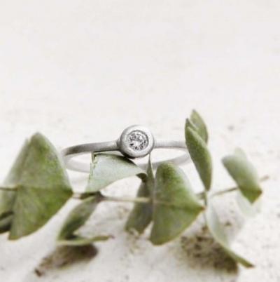 Tass Joies: Si buscas un anillo de compromiso de diseño original