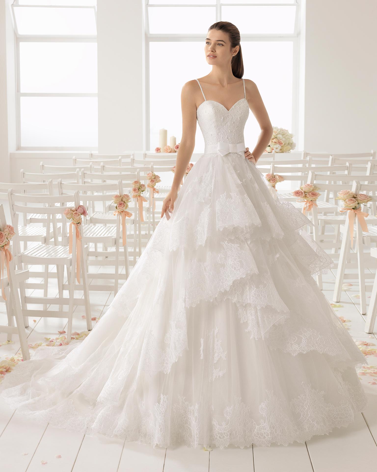 TodoBoda.com - 10 vestidos de novia con aires flamencos