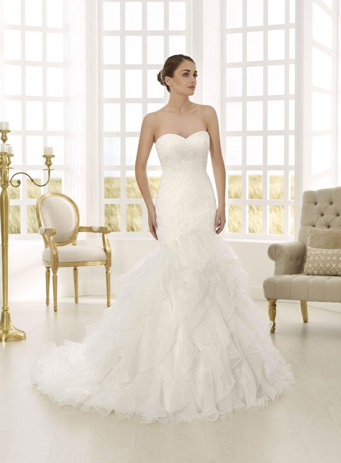 todoboda - 10 vestidos de novia con aires flamencos