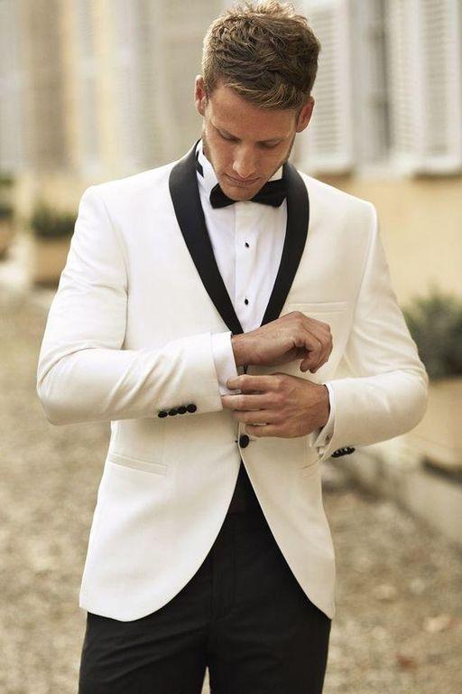 d08c40962bfa9 traje de novio. - El blanco hielo (una tonalidad cercana al gris claro) es  también una buena idea que combina a la perfección con el color azul marino.
