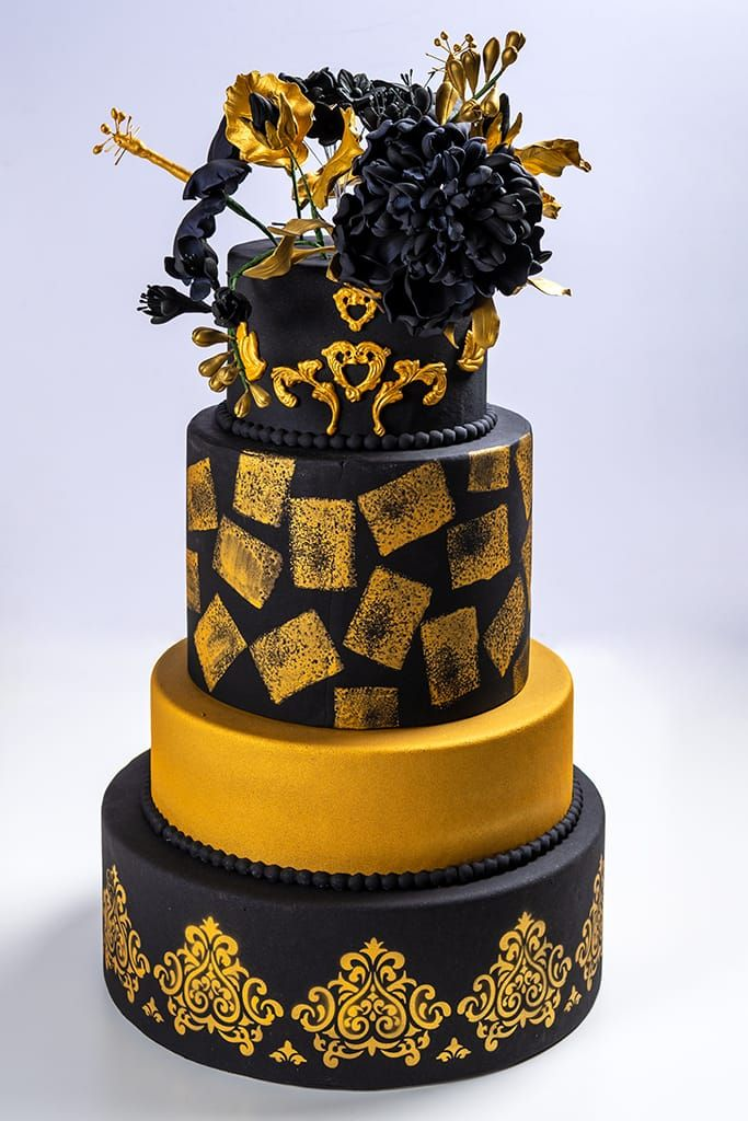 "Tarta de boda ""Black & Gold"""