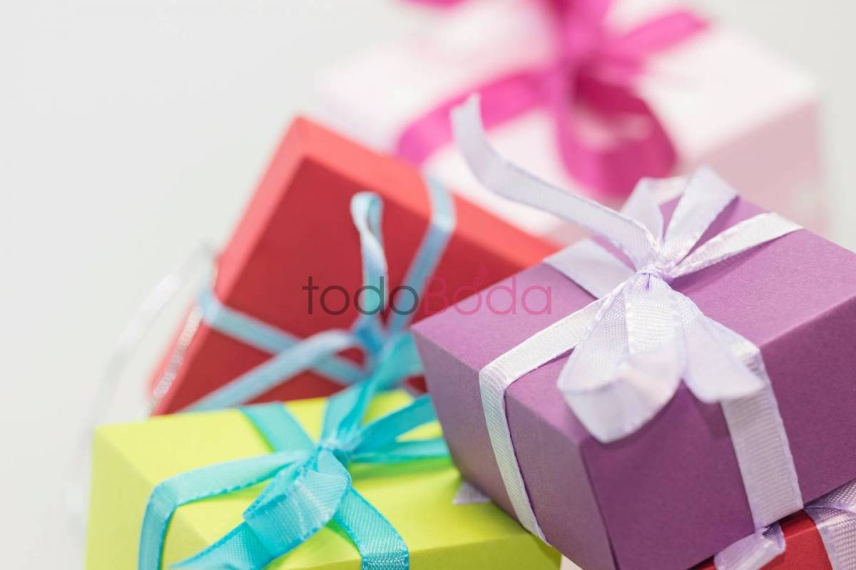 gifts-570821_1920