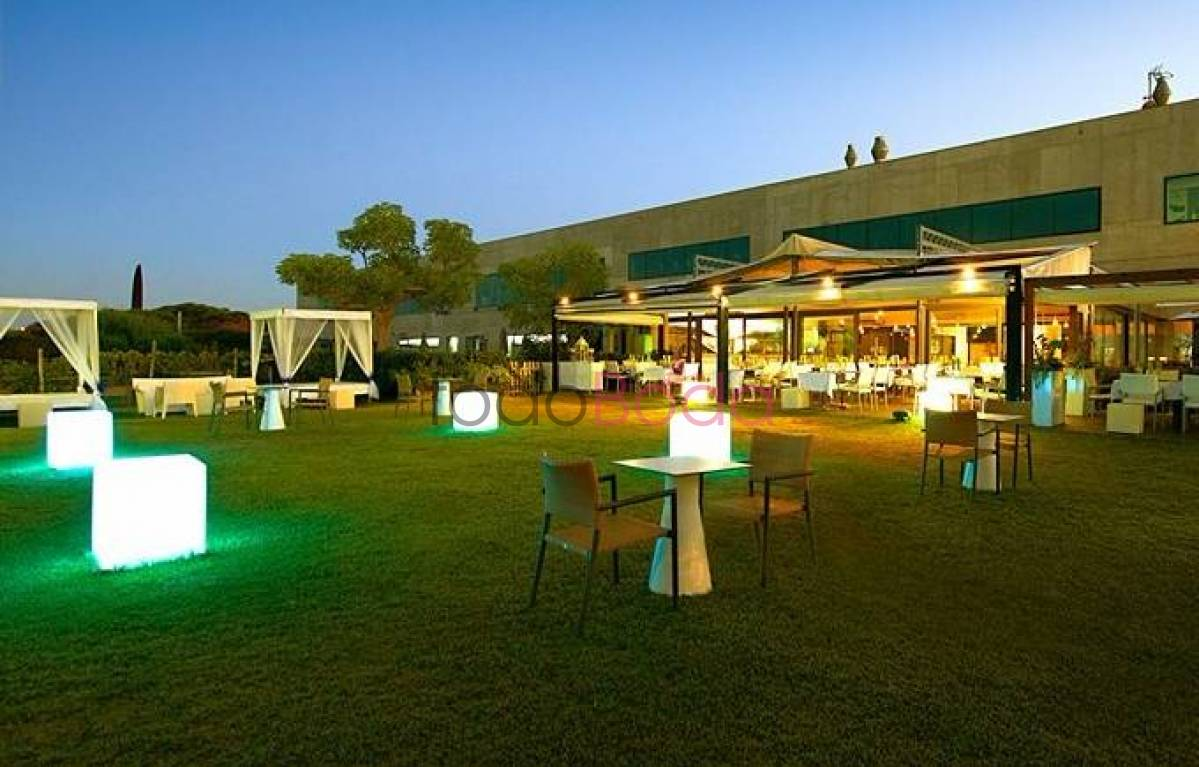 Lancaster Beach Club. Bodas Playa Mar Restaurantes Salones Barcelona. Jardines 3