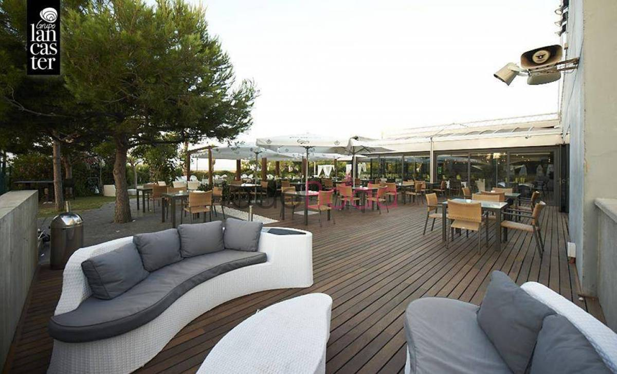 Lancaster Beach Club. Bodas Playa Mar Restaurantes Salones Barcelona. Terraza 2