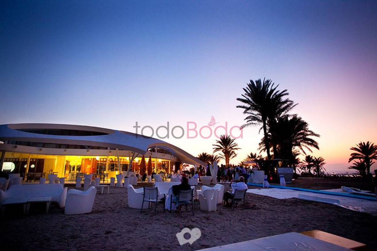 Tu boda en Restaurante Collados Beach 5