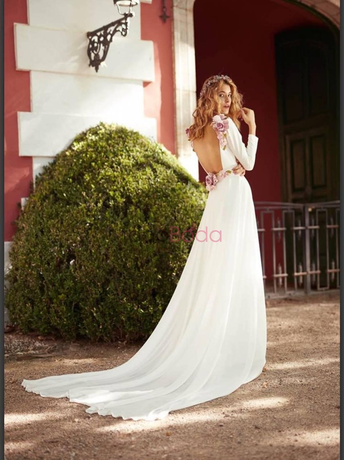 979a8f0488 Me Pido Este Vestido. Vestidos de Novia Madrid. Colecciones 4