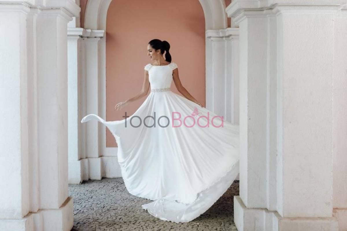 6e5f3bbd0f Me Pido Este Vestido. Vestidos de Novia Madrid. Colecciones 8
