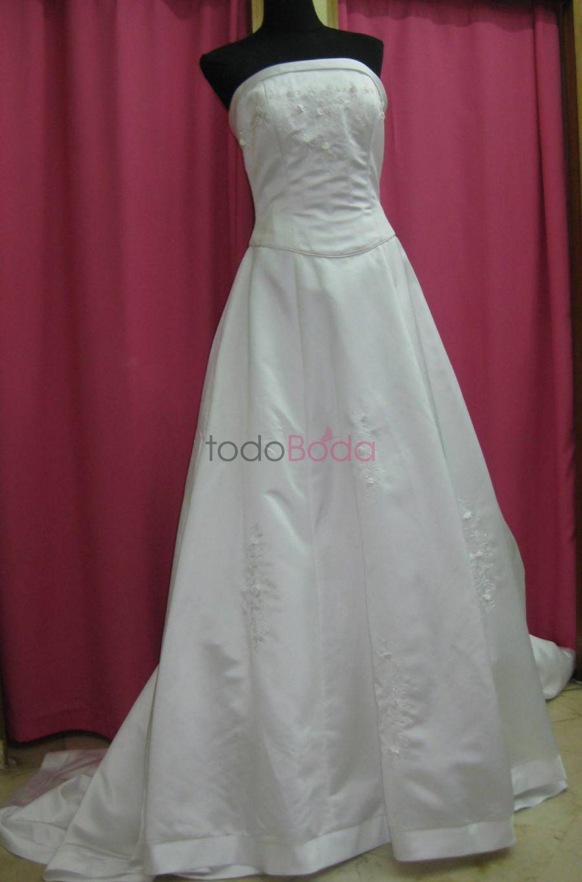 00ea684a84 Tu boda en Mil Modelitos Tienda De Compra Venta De Ropa De Segunda Mano. 3