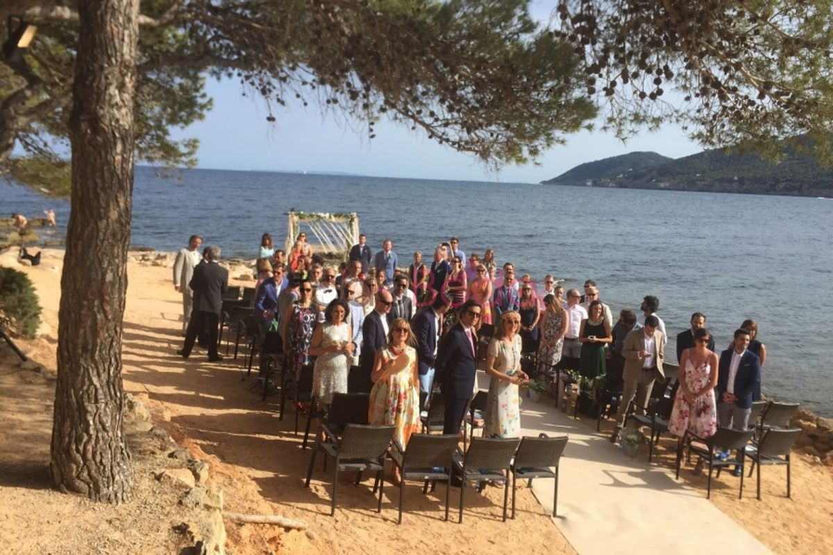 ceremonia en Sta Eulalia Outsiders ibiza