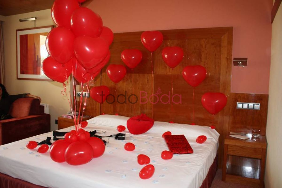 Decoracion globos mon for Cuartos decorados romanticos con globos