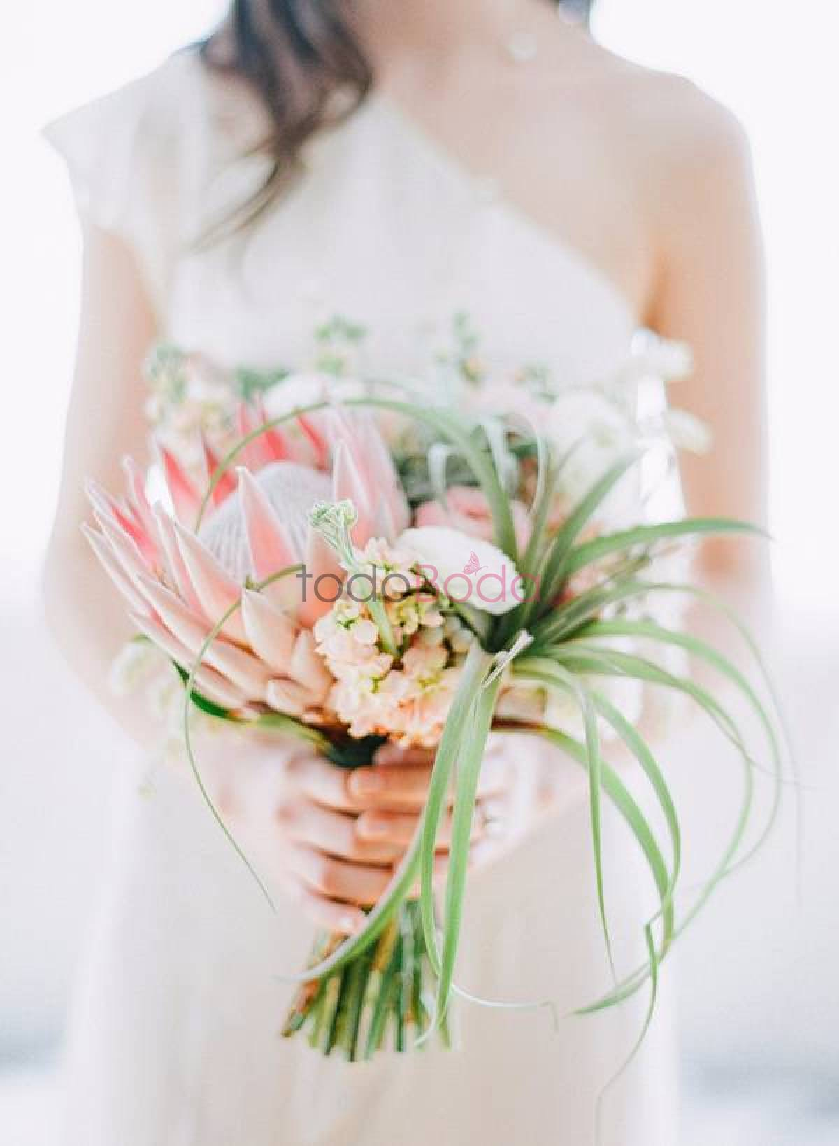 modern-tropical-wedding-inspiration-97