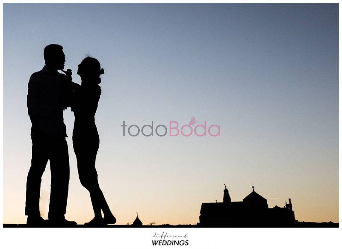 Tu boda en Different Weddings